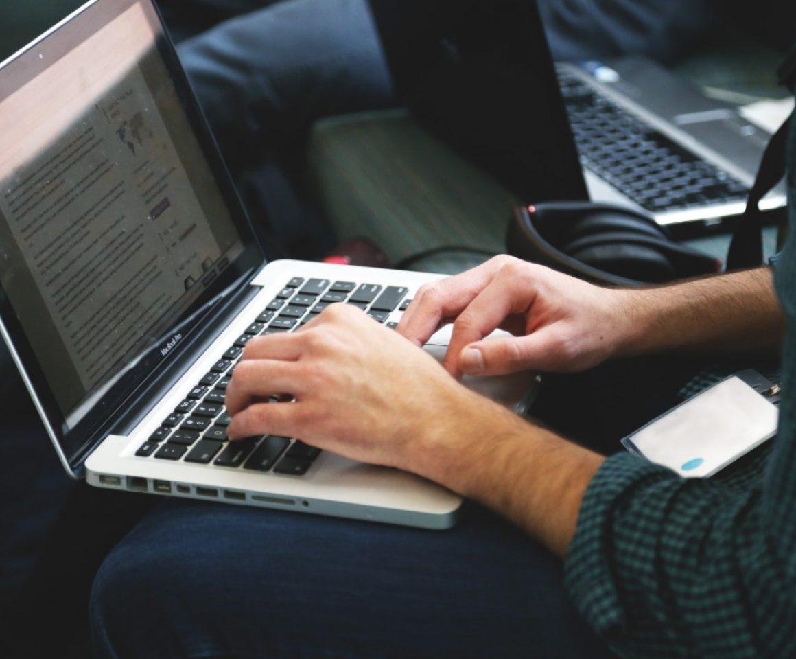 laptop-remote-working-writing-typing-7114 (1)
